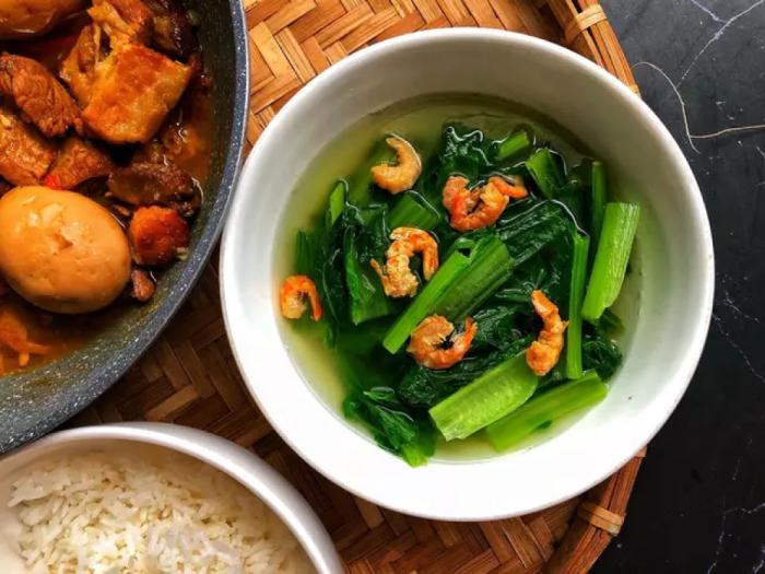 Tôm khô nấu canh cải xanh đơn giản, dễ làm